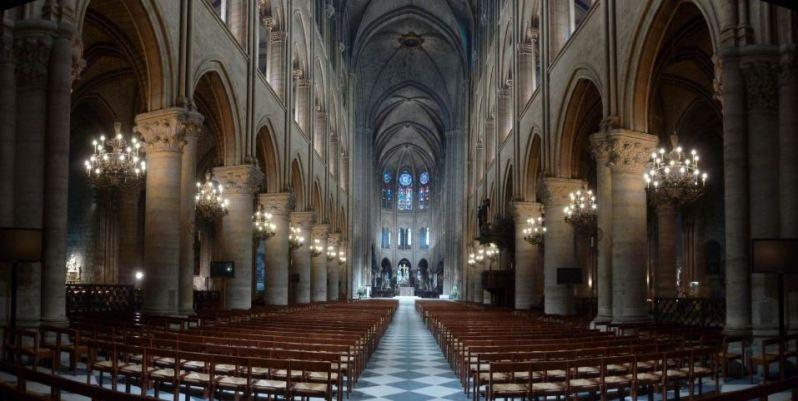 Belichting van Notre Dame met LED's