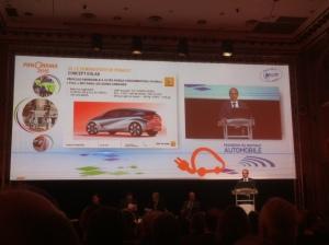 Presentatie door Gaspar Gascon, Renault van het project voor de superzuinige auto op 5 februari in Parijs.